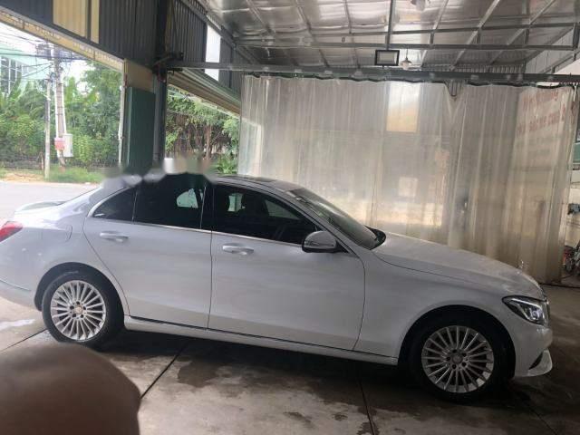 Bán Mercedes C250 sản xuất năm 2016, màu trắng, nhập khẩu chính chủ