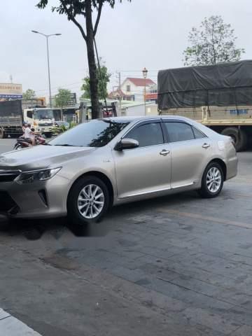 Bán Toyota Camry năm sản xuất 2016, màu bạc