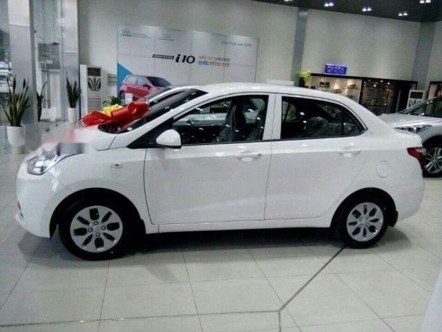 Bán ô tô Hyundai Grand i10 sản xuất năm 2018, màu trắng
