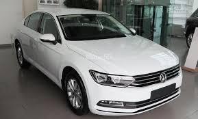 Cần bán lại xe Volkswagen Passat đời 2018, màu trắng, nhập khẩu nguyên chiếc số tự động