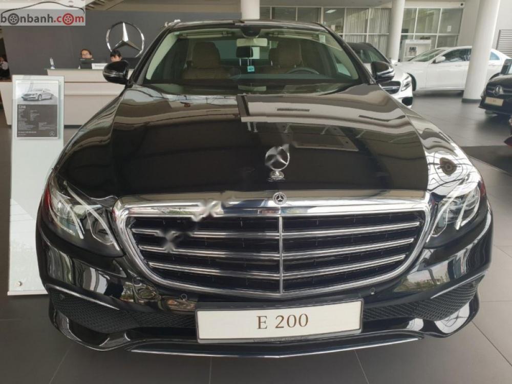 Cần bán Mercedes E200 năm sản xuất 2019, màu đen