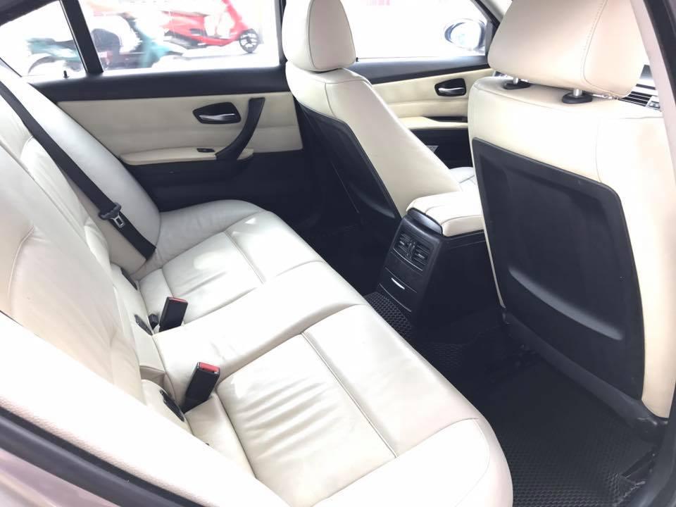 Gia đình cần bán xe BMW 320i, sản xuất 2008, số tự động, màu vàng cát