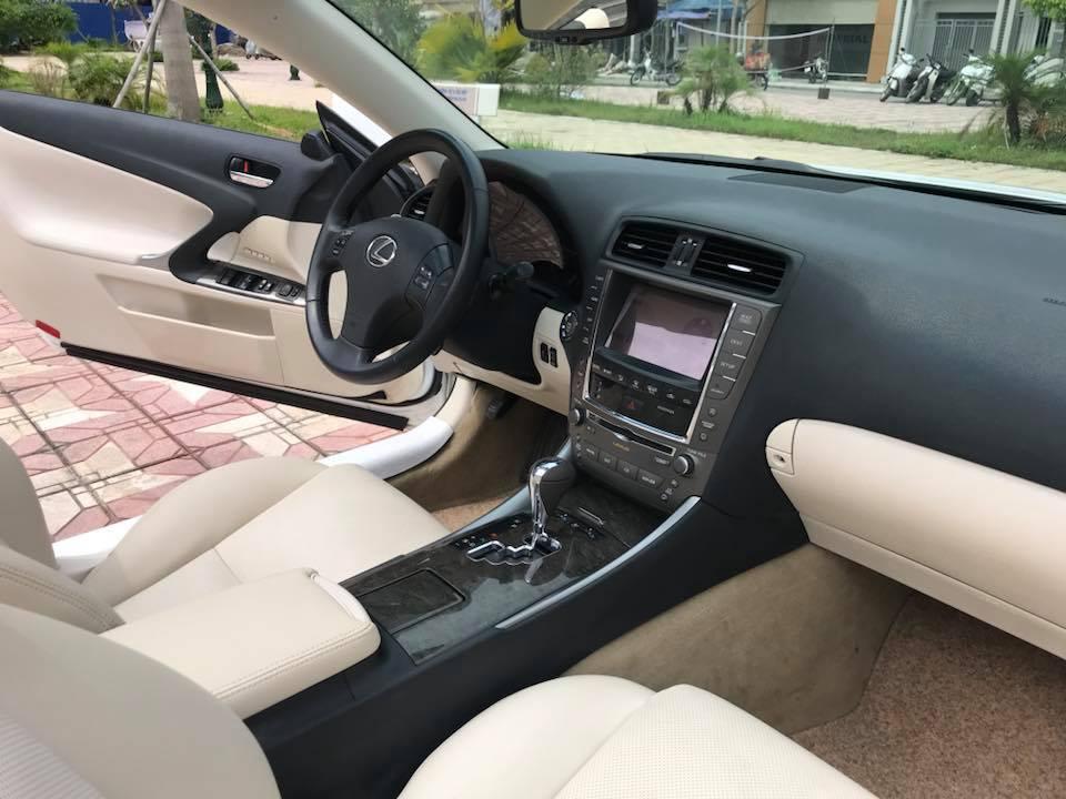 Lexus IS 250C sx 2009, đăng ký lần đầu 2010.