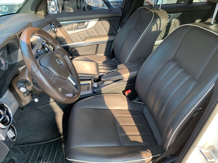 Mercedes GLK220 4 Matic sản xuất 2014 máy dầu cá nhân chính chủ mua mới từ đầu siêu đẹp bản Full đồ