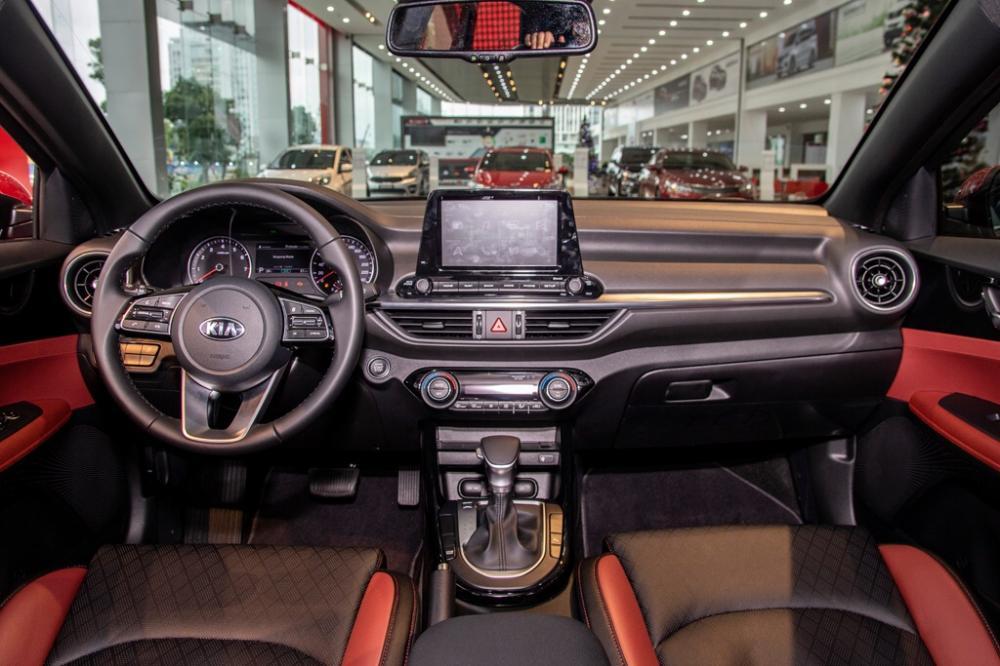 Kia Cerato 2019 khuyến mại sập sàn
