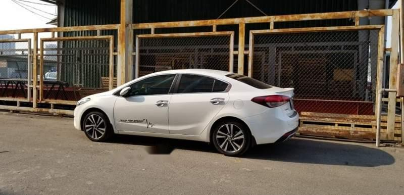 Bán gấp Kia Cerato 2.0 2017, màu trắng, xe gia đình