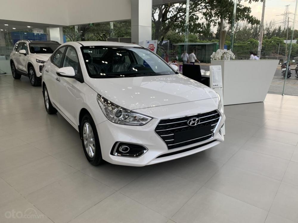 Hyundai Accent 2019, xe hiện đang có sẵn, hỗ trợ đăng ký Grab, tặng bộ phụ kiện cao cấp. LH: 0907.239.198