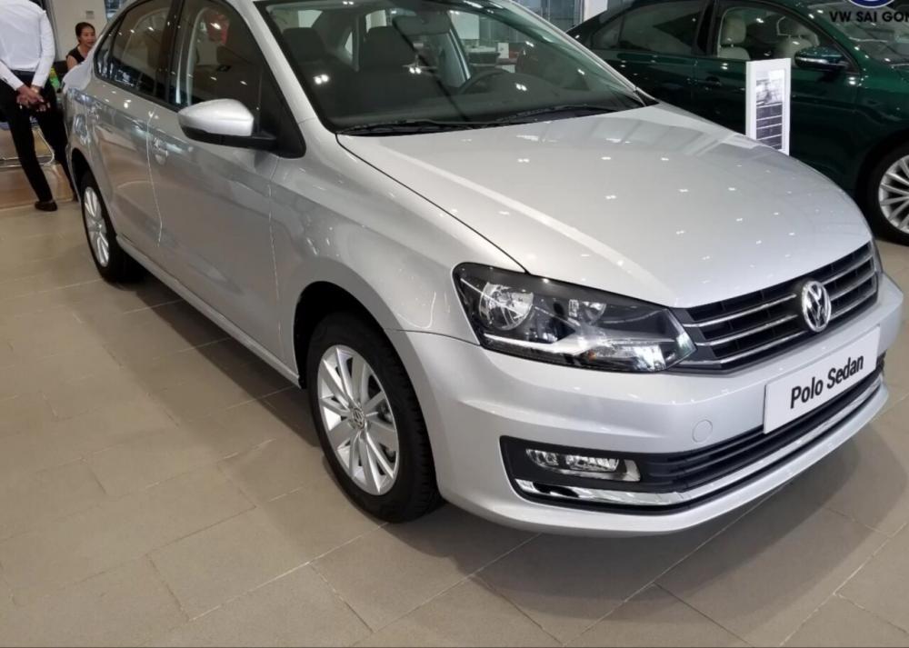 Cần bán Volkswagen Polo năm 2019, màu bạc, nhập khẩu