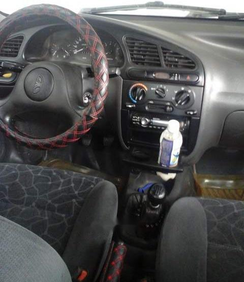 Bán ô tô Daewoo Lanos đời 2002, màu bạc, giá chỉ 85 triệu