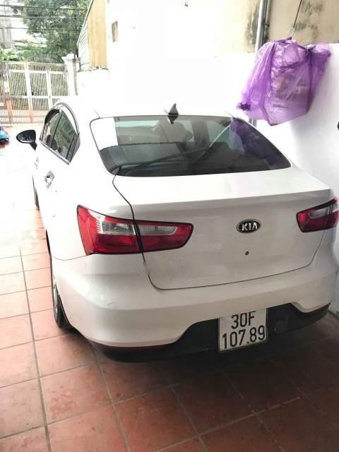Bán ô tô Kia Rio 1.4 MT 2015, màu trắng, nhập khẩu nguyên chiếc như mới