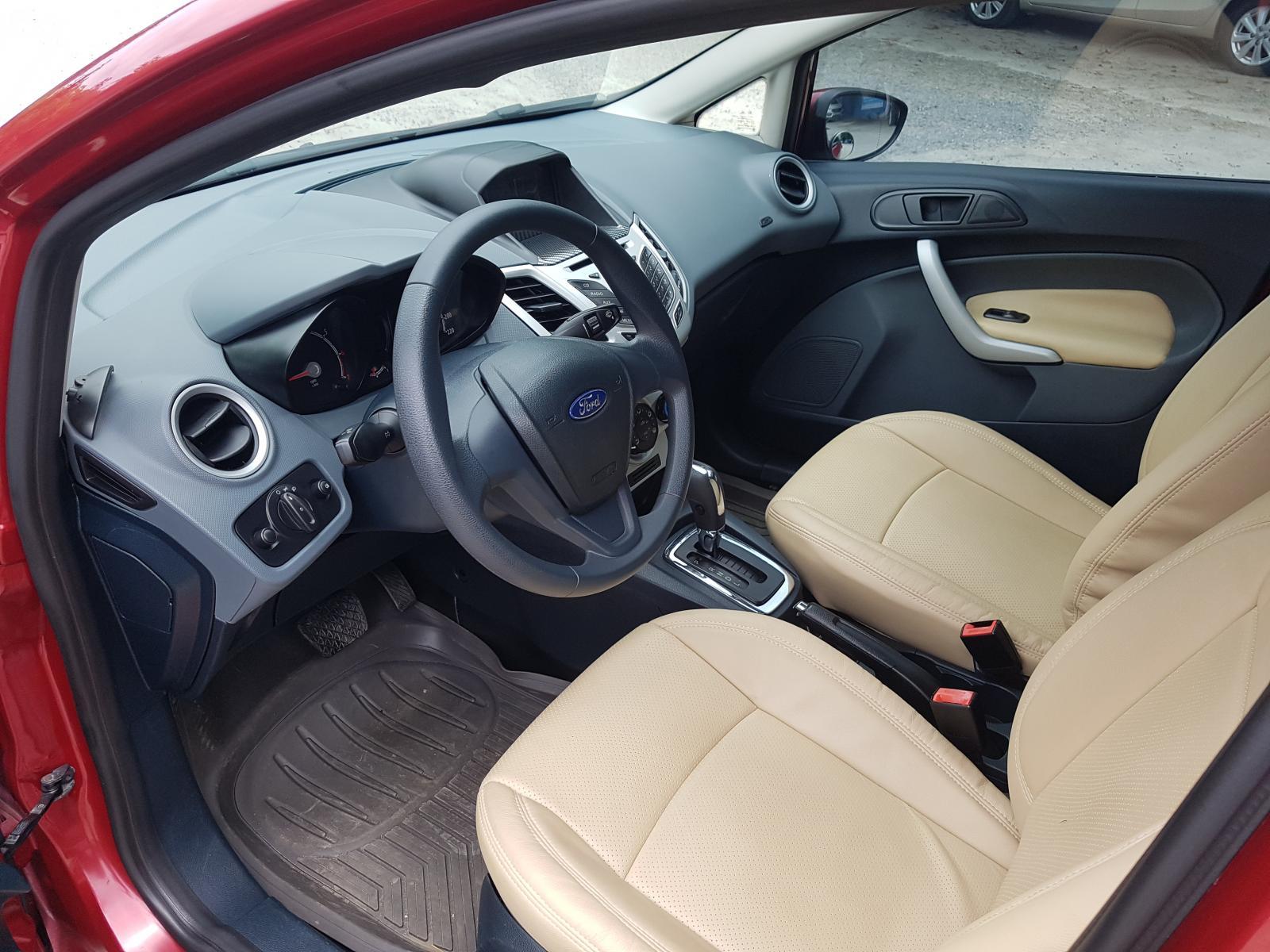 Bán Ford Fiesta đời 2011, màu đỏ số tự động, giá tốt