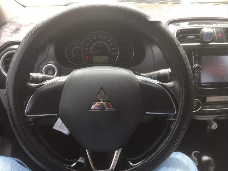 Cần bán xe Mitsubishi Attrage đời 2016, màu trắng, nhập khẩu còn mới
