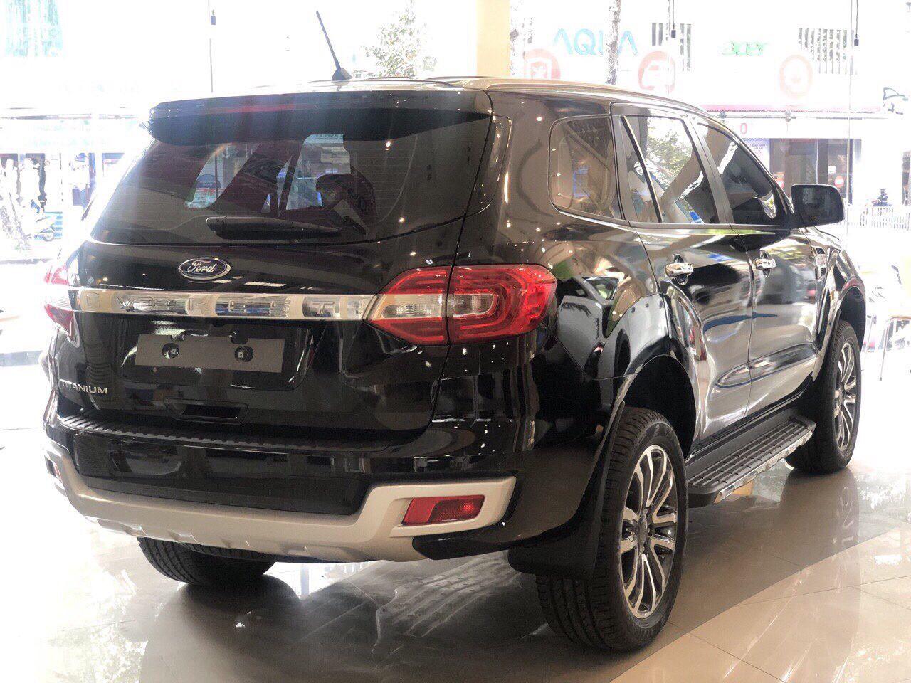 Bán Ford Everest Titanium 2019,Giá Sập Sàn, Đủ Màu, Giao Ngay