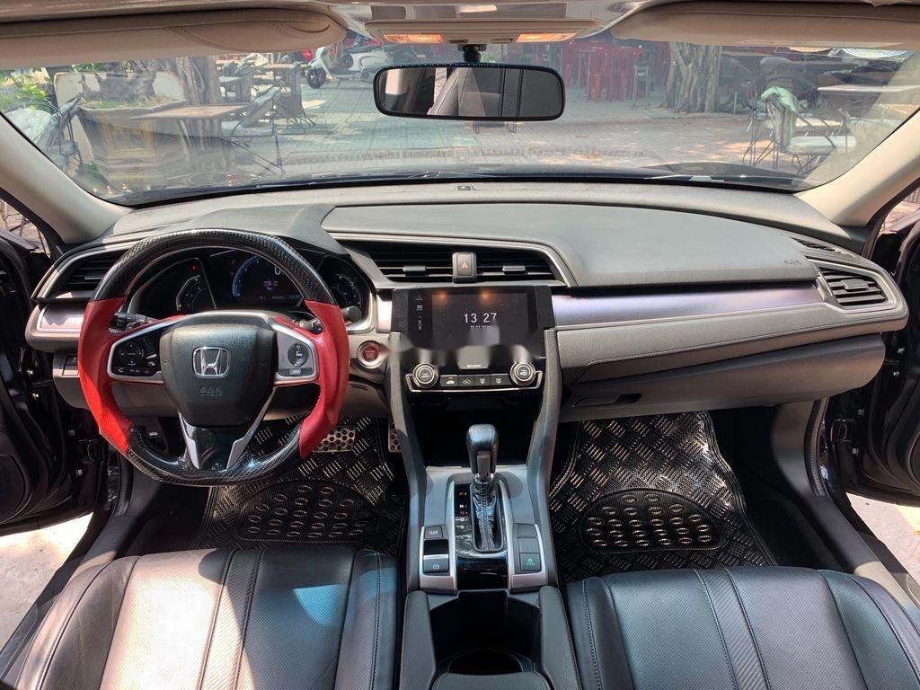 Cần bán xe Honda Civic đời 2017, màu đen, nhập khẩu