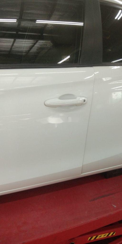 Bán Toyota Vios sản xuất năm 2019, màu trắng như mới