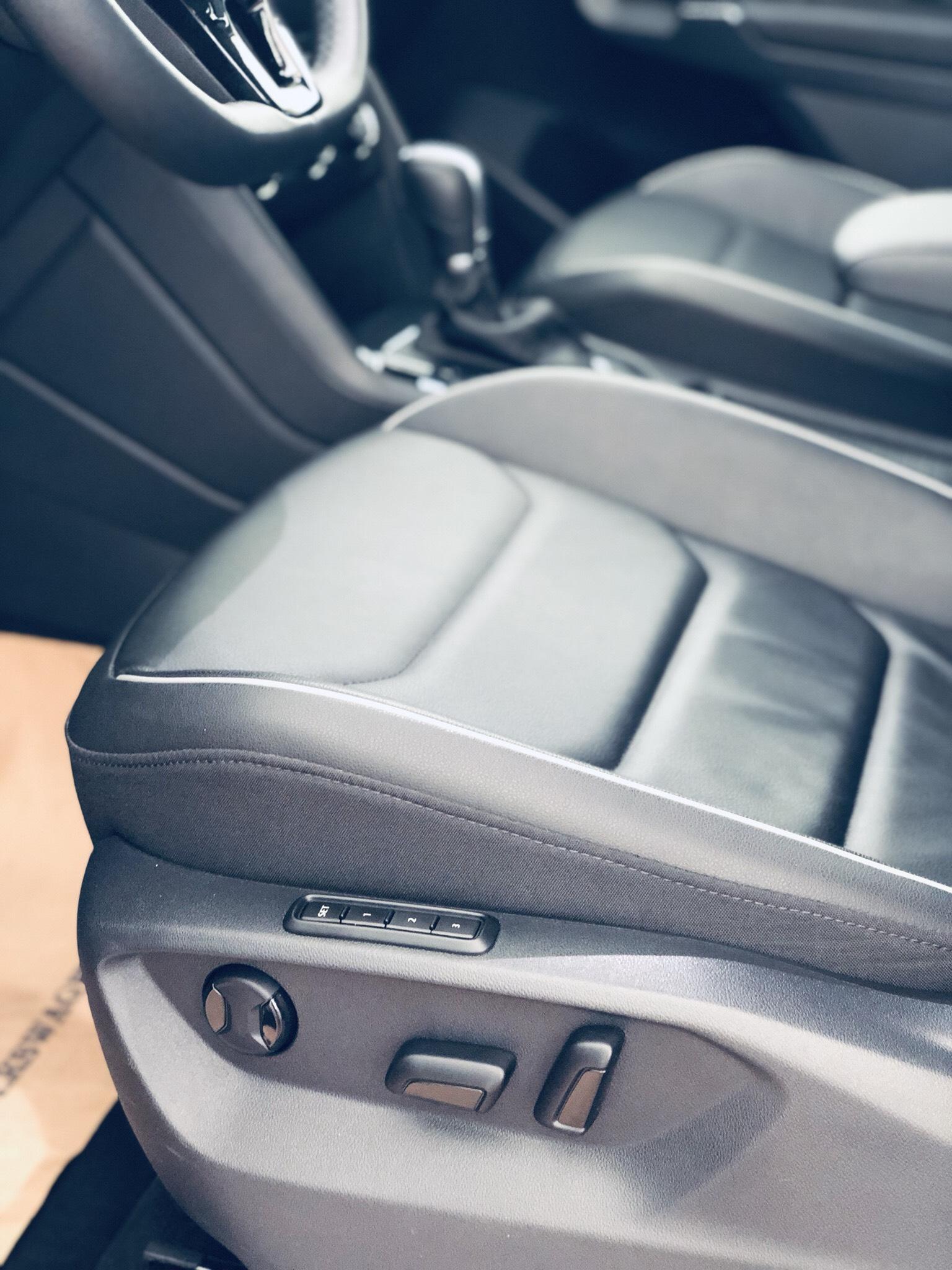 Volkswagen Tiguan Allspace trắng Ngọc Trinh, hỗ trợ 100% lệ phí trước bạ