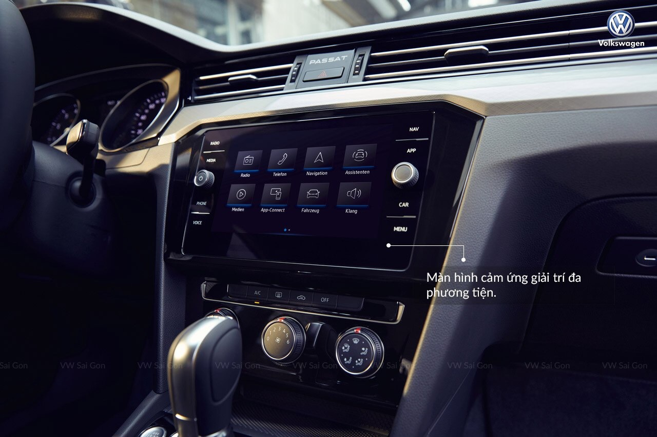 Volkswagen Passat Bluemotion Comfort, màu trắng, nhập khẩu nguyên chiếc