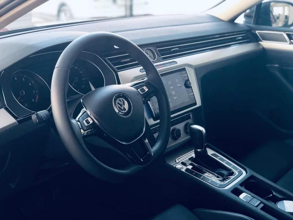 Volkswagen Passat 2017 nhập khẩu nguyên chiếc với chương trình ưu đãi lên đến 200tr