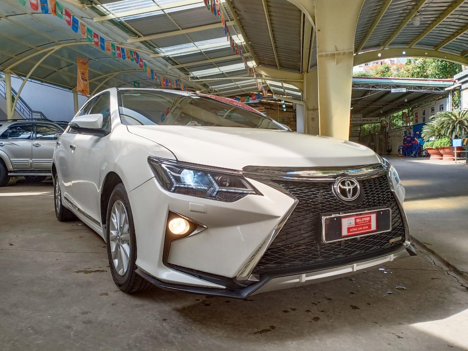 Cần bán Toyota Camry đời 2016, màu trắng, full phụ kiện