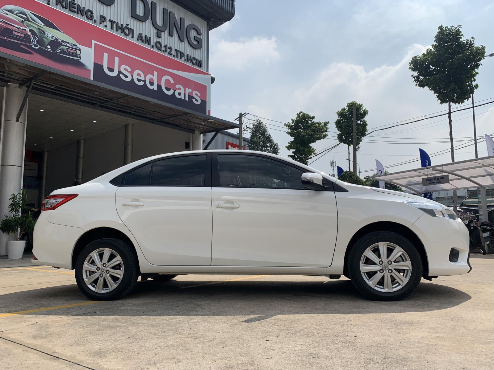 Cần bán xe Toyota Vios E CVT  2018, màu trắng, giá còn fix mạnh