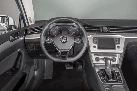 Volkswagen Passat BM Comfort đẳng cấp doanh nhân - tặng 100% phí trước bạ