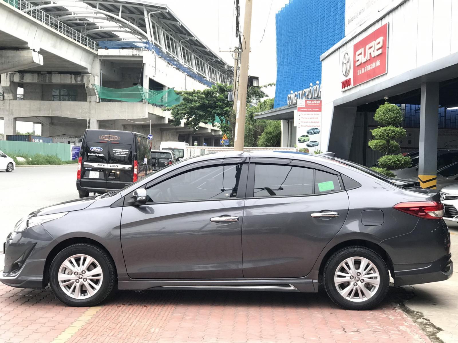 Cần bán lại xe Toyota Vios G năm 2018, màu xám