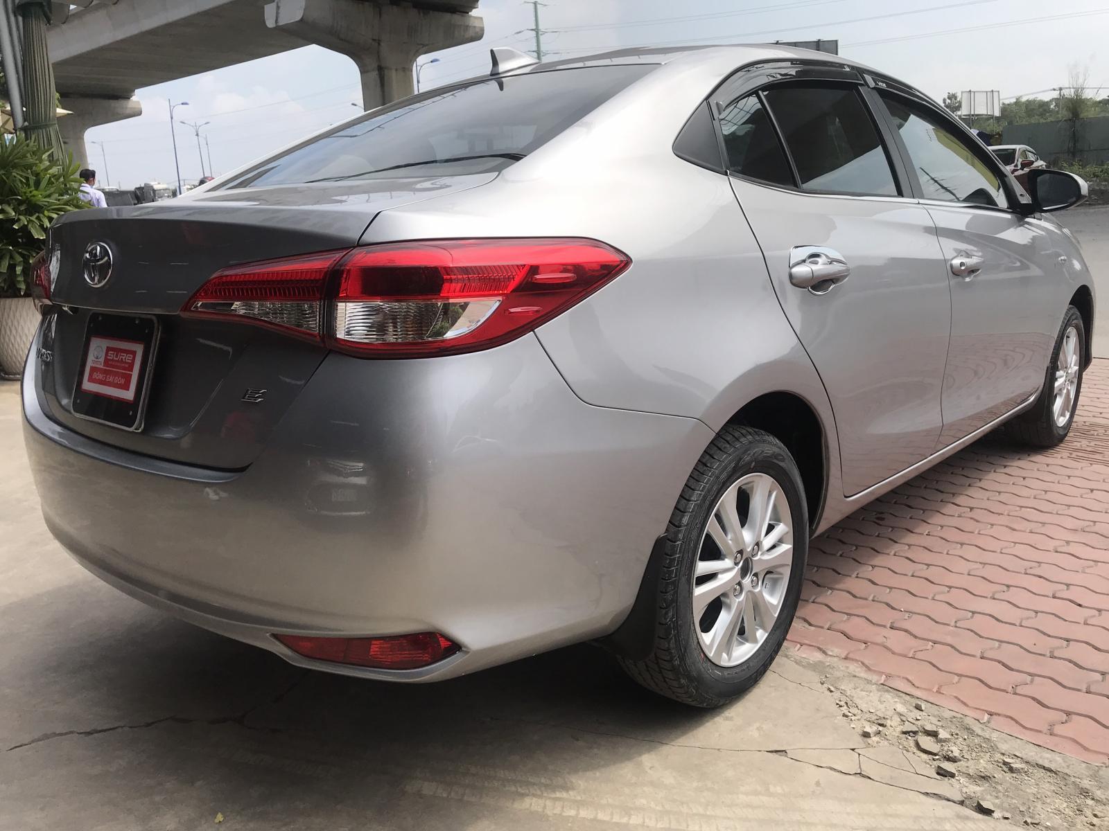 Cần bán xe Toyota Vios E MT đời 2019, màu bạc, siêu chất - giá cực mềm