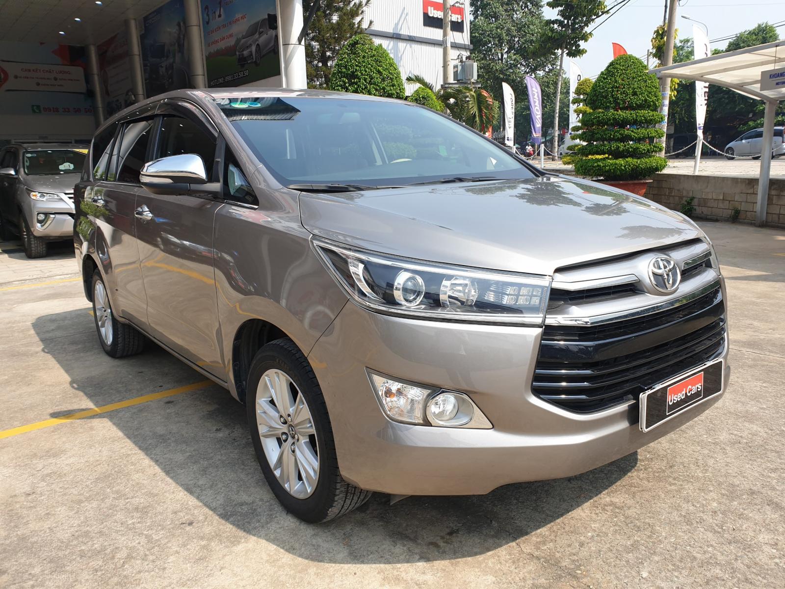 Cần bán lại xe Toyota Innova 2.0V đời 2016  cực Chất ,Đẹp không tùy vết - giá cực êm