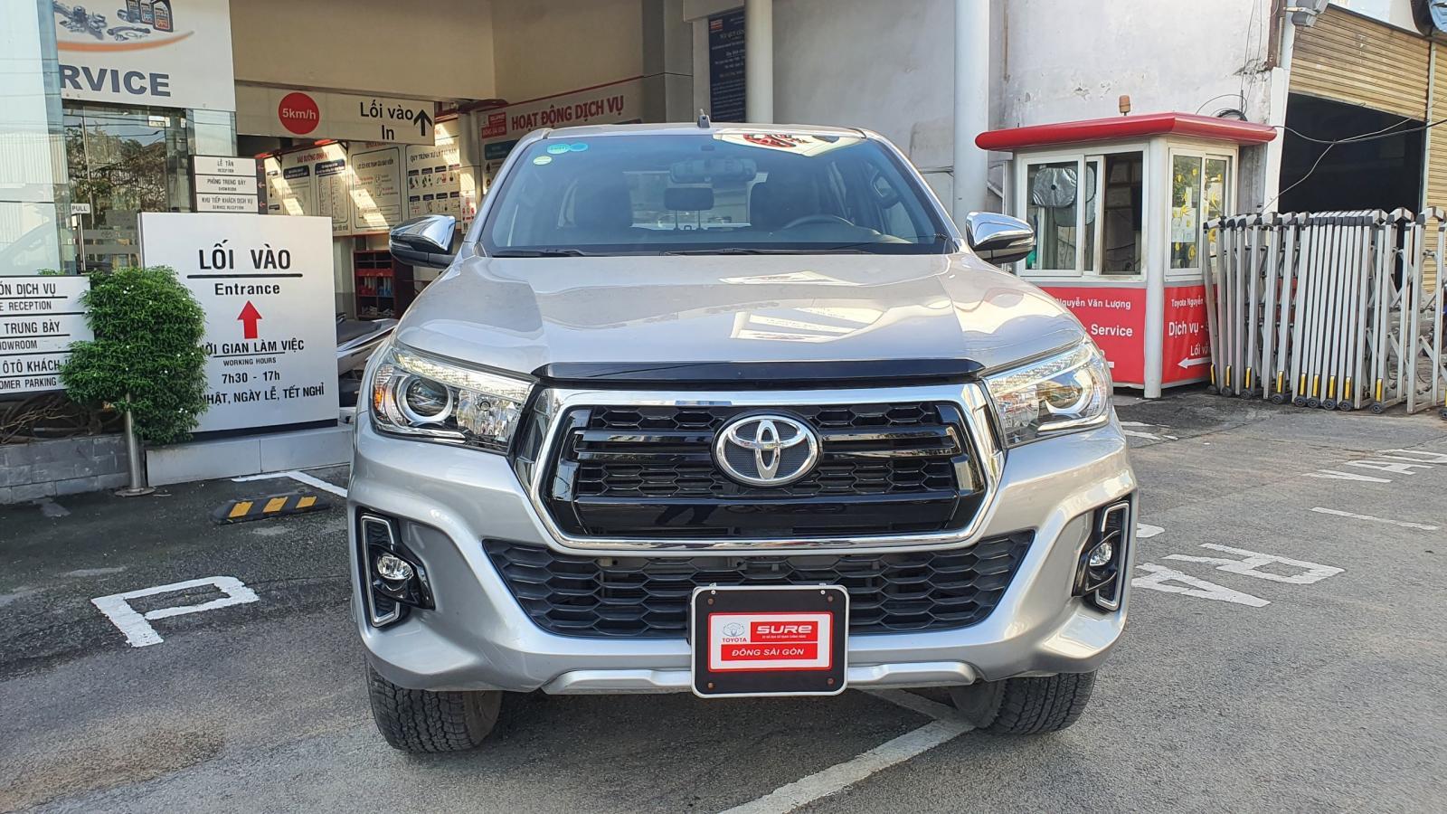 Bán ô tô Toyota Hilux 2.8G 4x4 Số Tự Động đời 2019, màu bạc, lướt 17000km giá cực tốt