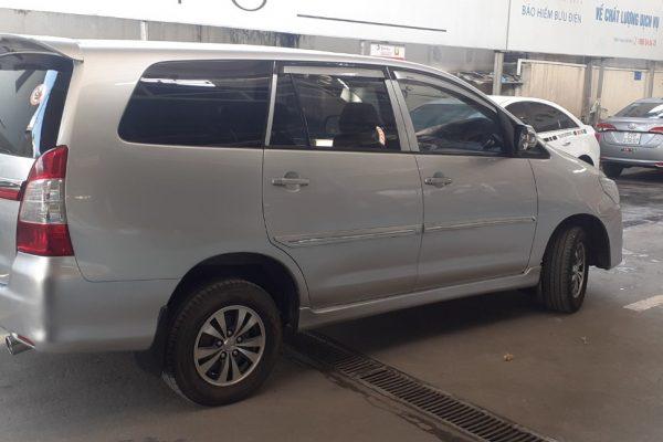 Cần bán xe Toyota Innova 2014