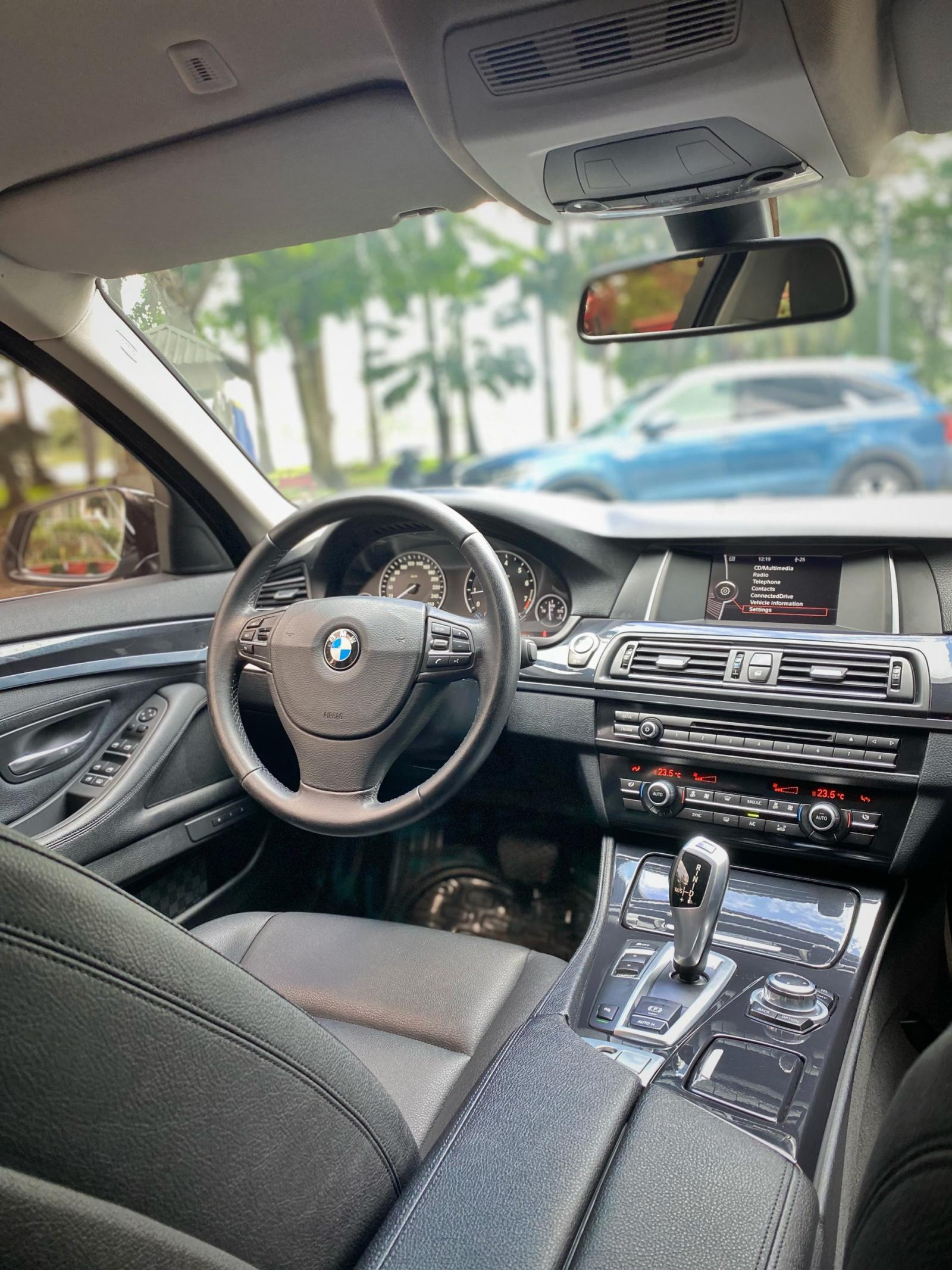 Cần bán gấp BMW 5 Series 520i sản xuất 2014, màu đen, nhập khẩu chính hãng