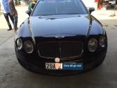 Bán xe Bentley Continental Flying Spur sản xuất 2009, màu đen, xe nhập, xe gia đình giá 3 tỷ 350 tr tại Hà Nội