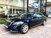 Bán Mercedes E200 2018 màu xanh chạy lướt giá tốt giá 1 tỷ 959 tr tại Hà Nội