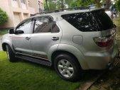 Cần bán xe Toyota Fortuner V đời 2010, màu bạc chính chủ, giá tốt giá 520 triệu tại Tp.HCM