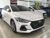 Cần bán Hyundai Elantra Sport 1.6 AT 2018, màu trắng giá 735 triệu tại Tp.HCM