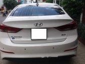 Cần bán gấp Hyundai Elantra 2.0 AT đời 2017, màu trắng   giá 635 triệu tại Tp.HCM