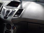 Cần bán Ford Fiesta đời 2011, màu bạc chính chủ giá 280 triệu tại Quảng Ngãi