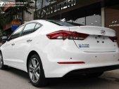 Cần bán Hyundai Elantra 2.0 AT đời 2019, màu trắng, giá tốt giá 640 triệu tại Hà Nội