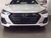 Bán Hyundai Elantra năm sản xuất 2019, màu trắng, giá chỉ 549 triệu giá 529 triệu tại Tp.HCM