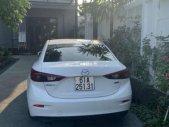 Cần bán xe Mazda 3 sản xuất 2016, màu trắng giá 640 triệu tại Bình Dương
