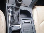 Bán Hyundai Sonata 2.0 AT đời 2017, màu trắng, nhập khẩu   giá 800 triệu tại Tp.HCM