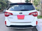 Cần bán Kia sorento GAT, sản xuất 2017, số tự động, máy xăng, màu trắng giá 647 triệu tại Tp.HCM