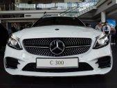 Bán xe Mercedes C300 AMG năm sản xuất 2019, màu trắng giá 1 tỷ 897 tr tại Bình Phước