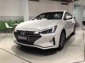 Cần bán xe Hyundai Elantra đời 2019, màu trắng, giá 580tr giá 580 triệu tại Tp.HCM