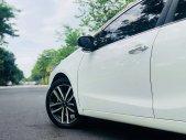 Cần bán xe Kia Cerato 2017 số tự động màu trắng chính chủ giá 566 triệu tại Tp.HCM