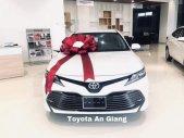 Cần bán xe Toyota Camry đời 2019, màu trắng, nhập khẩu nguyên chiếc giá 1 tỷ 29 tr tại Đồng Tháp