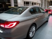 Bán BMW 530i All New 2019 khuyến mãi 75tr, hỗ trợ vay 85% giá 3 tỷ 69 tr tại Tp.HCM