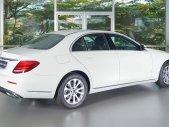 Giá tốt: E200 trắng hàng trưng bày, mới 99% giá 1 tỷ 999 tr tại Tp.HCM