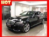 Bán xe Mercedes C250 màu đen, nội thất đen, đăng kí 2019 chính hãng như mới giá 1 tỷ 640 tr tại Tp.HCM