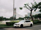 Cần bán em BMW 320i ĐKLĐ 2010, màu trắng giá 450 triệu tại Tp.HCM
